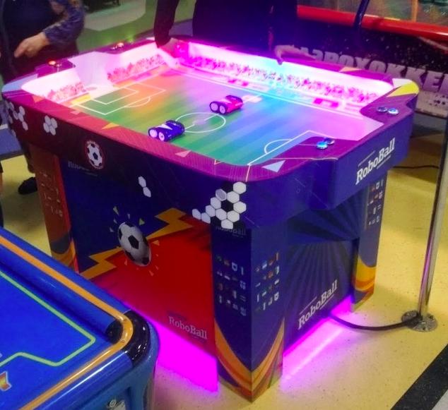 Игровой автомат «Футбол с роботами» — бизнес-идея