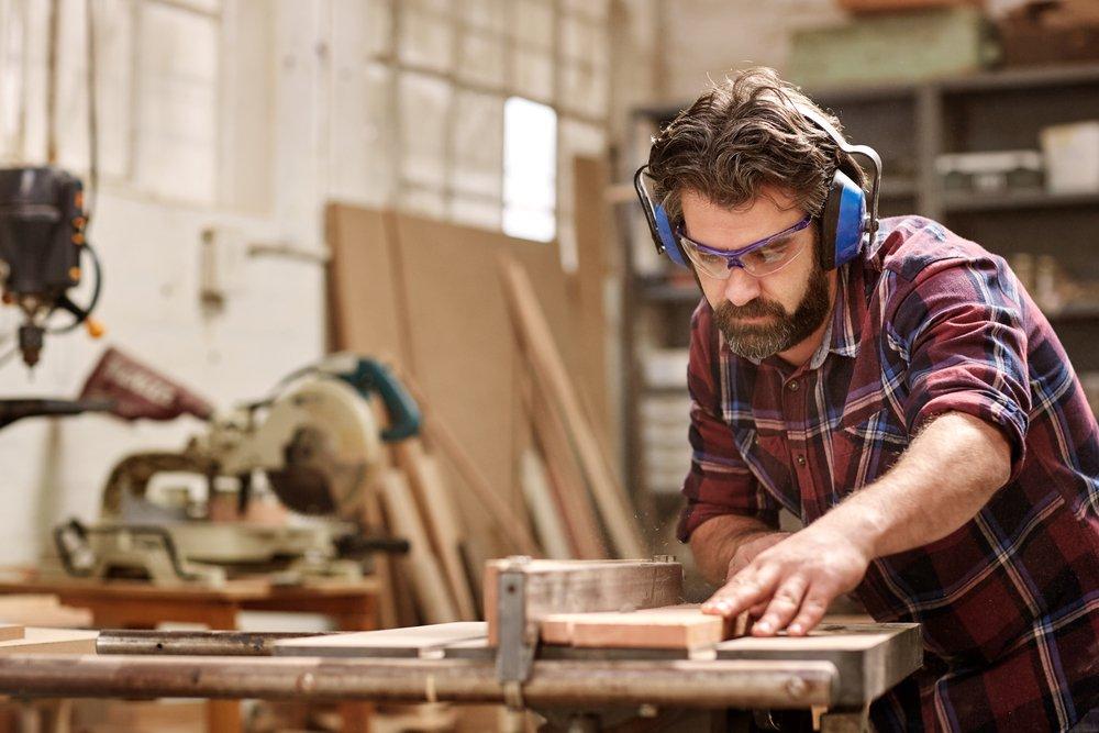 Деревообработке и сборка мебели